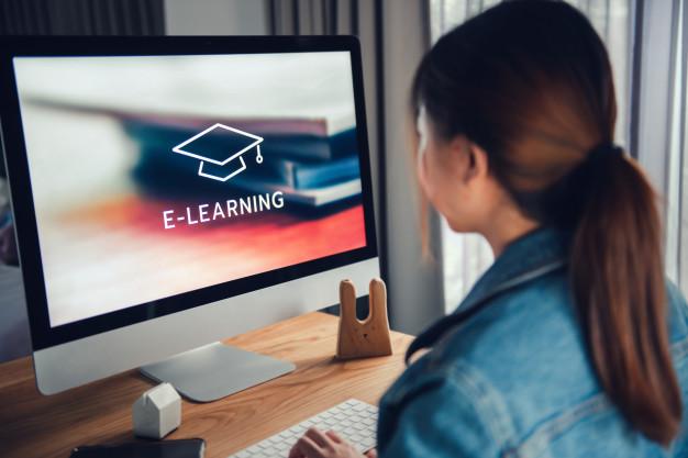 ¿Qué es una plataforma LMS y cómo puedo dar cursos en línea?